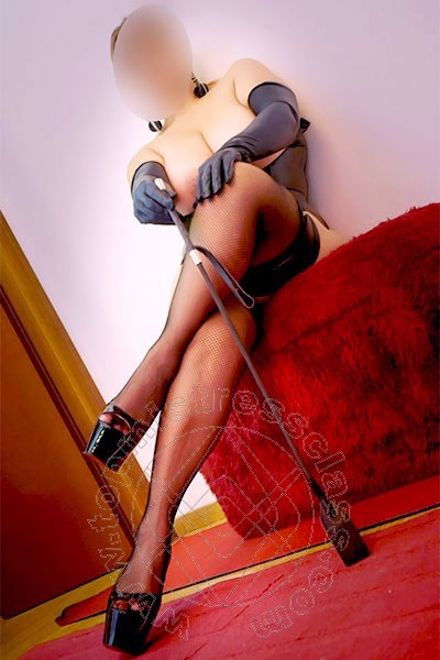 Mistress Vanessa  UDINE Torno presto